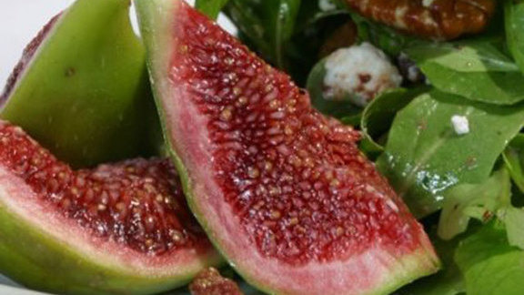 Chef Ari Weiswasser reviews Fig and arugula salad at The Girl & The Fig
