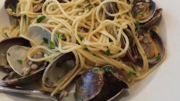 Spaghetti alla vongole at Pazzia Caffe & Trattoria