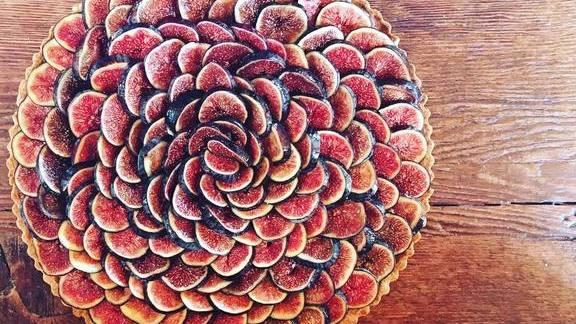 Chef Tamara Murphy reviews Fig and orange blossom tart with peach sorbet  at Terra Plata