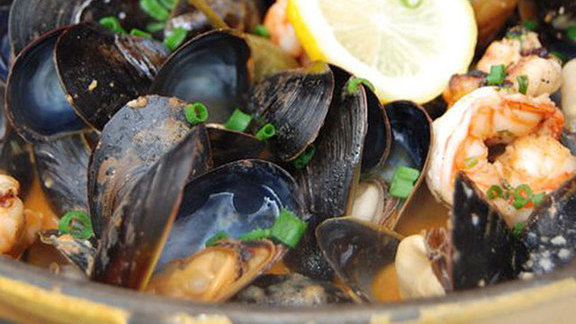 Mussels at Mussel Bar & Grille
