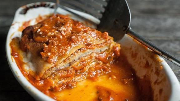 Chef Paul Petronella reviews Eggplant parmesan at Paulie's Restaurant