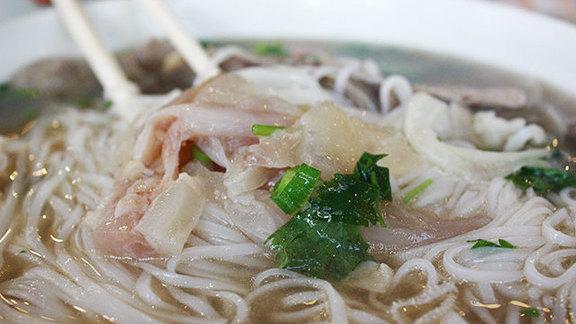 Chef Tiffany MacIsaac reviews No. 6 phở at