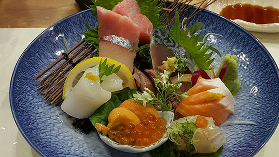 Chef Chris  Massad reviews Omakase at La Petite Grocery