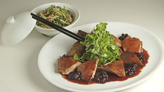 Chef Robert Wiedmaier reviews Lacquered Chinese duckling at
