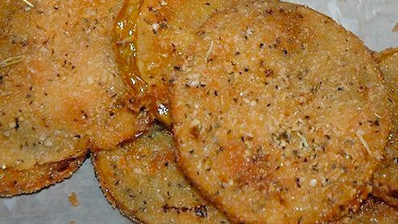 Fried green tomatoes at Arnold's Country Kitchen