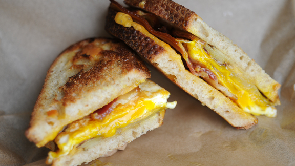Chef Telmo Faria reviews Farmer's Breakfast sandwich at The American Grilled Cheese Kitchen