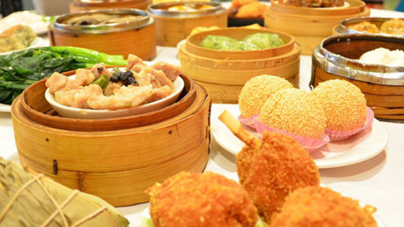 Chef Steve Redzikowski  reviews Dim sum at