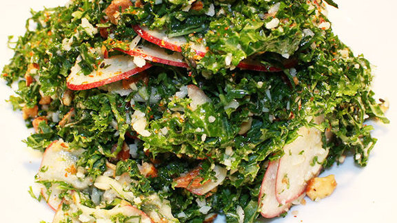 Chef Lachlan Mackinnon-Patterson reviews Shaved honey crisp apple & kale salad at OAK at fourteenth