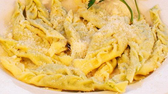 Chef Nathan Coulon reviews Tortelli piacentina at