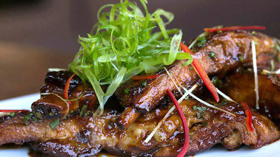 Chef Jason McLeod reviews Twelve hour pork spare ribs at