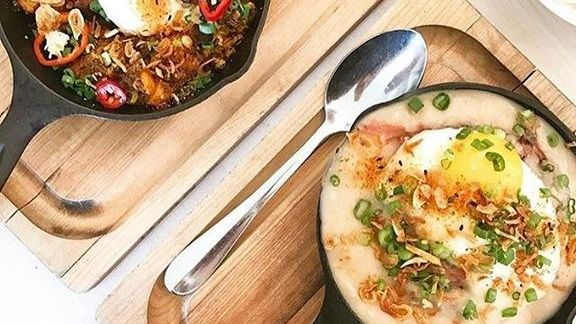 Chef Eric Silverstein reviews Brisket hash at The Peached Tortilla