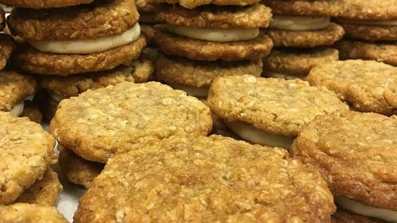 Oatmeal Cream Pies at The General Muir