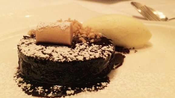 Chef Todd Richards reviews Flourless Chocolate Cake at