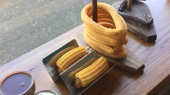 Churros Stuffed with Dulche de Leche at 180 Xurros & Xocolata
