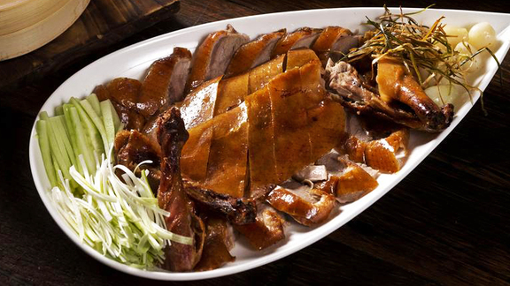 Chef Matt Bolus reviews Peking duck at