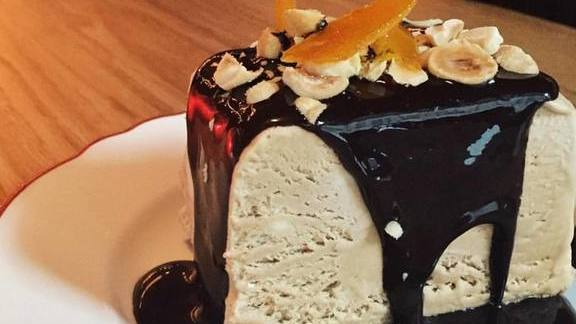 Chef Jean Joho reviews Chocolate semifreddo dessert at Il Porcellino