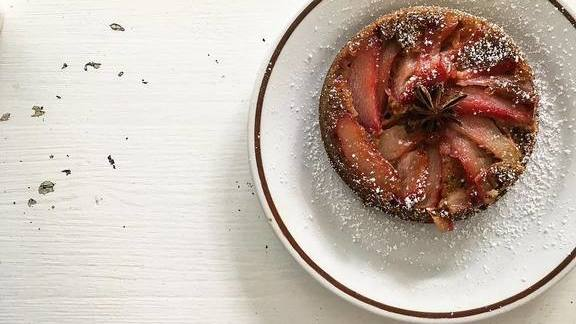 Chef Kristen Murray reviews Rhubarb and spice cake at MÅURICE