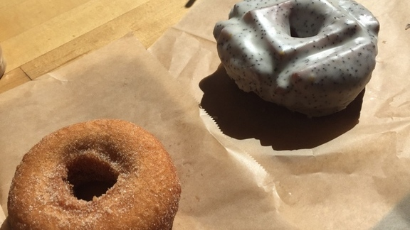 Apple cider and glazed donuts at Blue Star Donuts