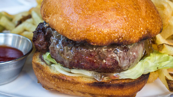 Chef Freedom Rains reviews Burger at Monsieur Benjamin