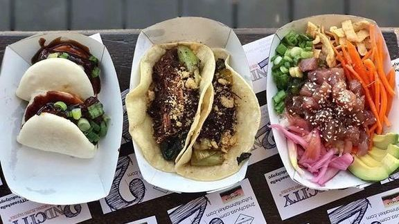 Chef Jordan Andino reviews Burger buns, tacos and poke at 2nd City