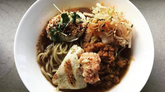 Chef Gavin Kaysen reviews Ramen pork shoyu, grilled cod collar, carrot slaw, and poached egg at Spoon and Stable