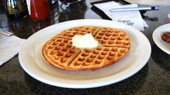 Chef Chris Kajioka reviews Waffle at