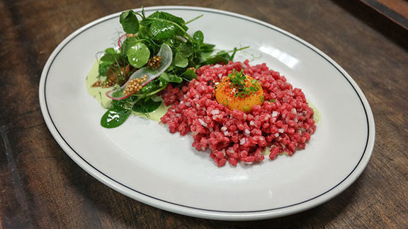 Chef Michael Harr reviews Beef tartare at Woodberry Kitchen