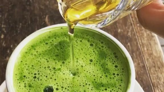 Matcha green tea with agave syrup at Akasha