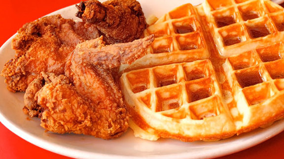 Chef Omri Aflalo reviews Chicken and waffle at