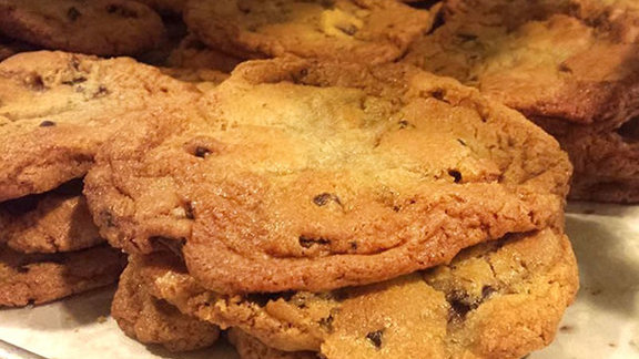 Chef Dan Kluger reviews Chocolate chunk cookie at