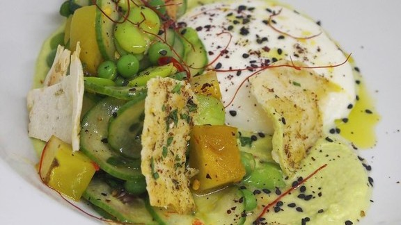 Chef Marc Murphy reviews Mozzarella with peas, cucumbers, and fava bean hummus at Kingside