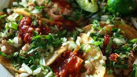 Tacos de tripa at El Paisa