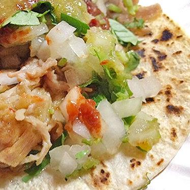 Smoked chicken taco at El Amigo
