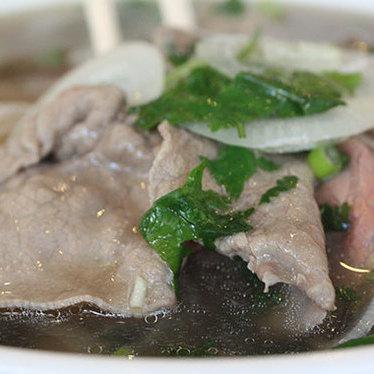Phở tái, gầu (#10) at Pho 75