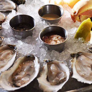 Raw bar at Neptune Oyster