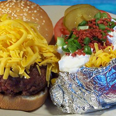 Hamburger at Port of Call