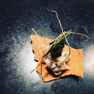 Carolina crab, Siberian osetra caviar, sea asparagus, puffed onion root at Alter