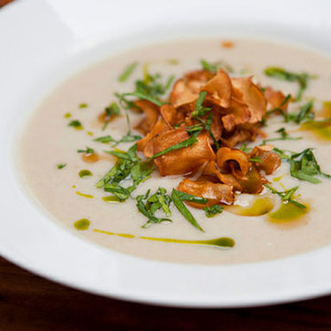 Jerusalem artichoke soup at August