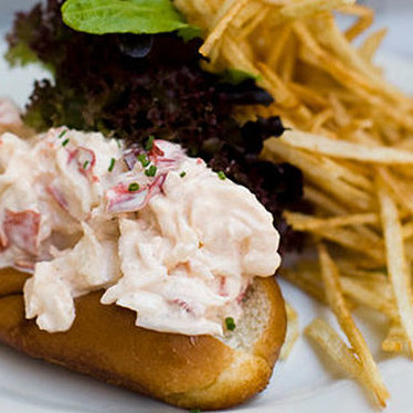 The Pearl lobster roll at Pearl Oyster Bar