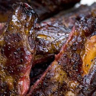 Texas salt & pepper beef ribs at Blue Smoke