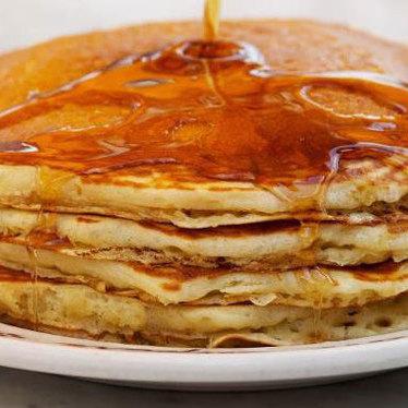 Buttermilk hotcakes at Du-par's