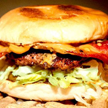 Yo-mama burger at 15 Romolo