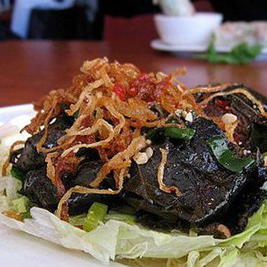 Lá nho thịt bò at Co'm Vietnamese Grill