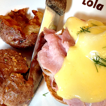 Eggs benedict at Lola