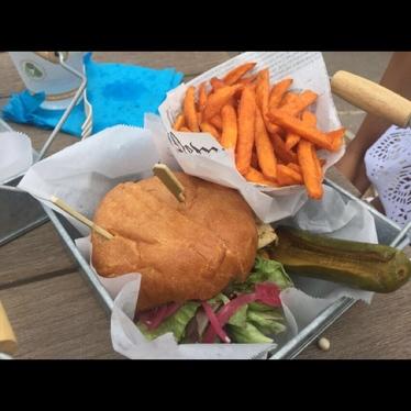 Molokai Runner at Burger Shack