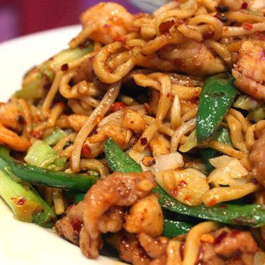Special chow mein w/ chicken, pork, & shrimp at Spices!! II