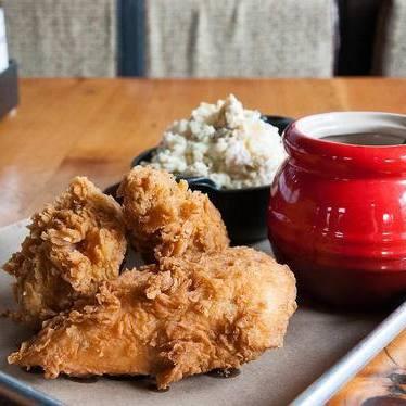 Fried Chicken + Tupelo Honey at Lillie's Q