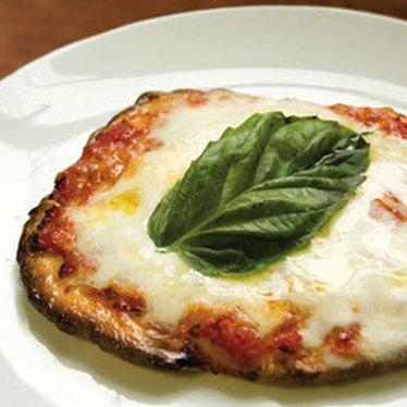 Pizzetta margherita at Lupo