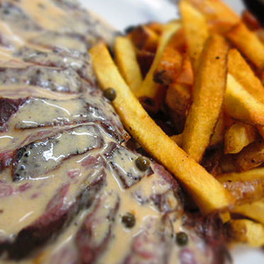 Le steak frites at Les Faux Bourgeois