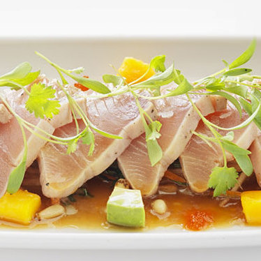 Tuna tataki at Cactus Club Cafe